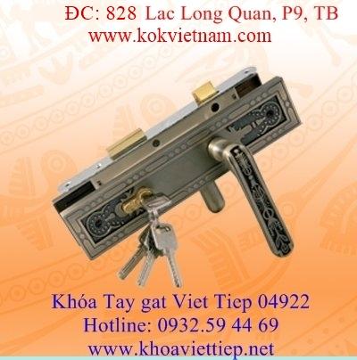 Khoa tay gat Viet Tiep 04922